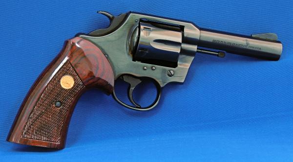 Colt V Frame MKV (MK 5) Walnut Checkered Target Grips